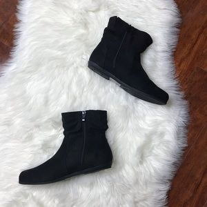 Torrid NWT Faux Suede Black Scrunch Ankle Boots 9W